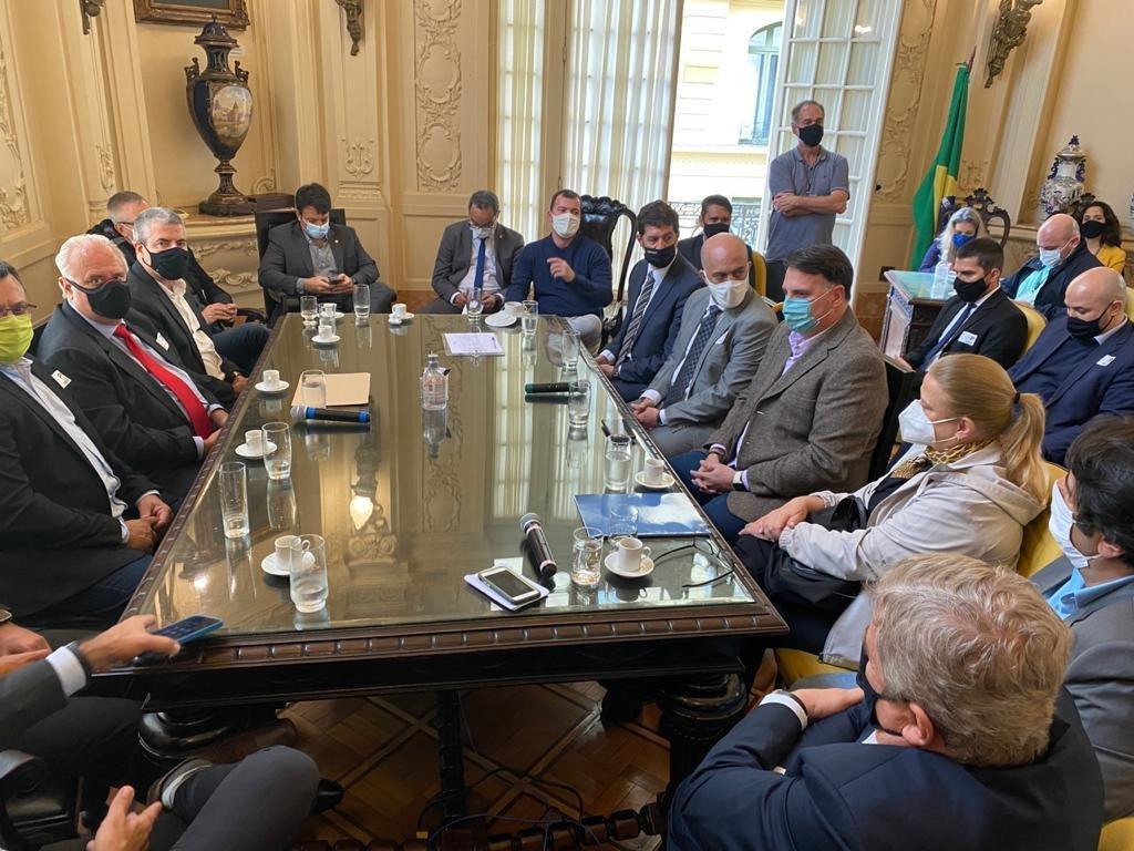 Movimento Rio Produtivo entrega pleitos para Carlo Caiado, Presidente da Câmara dos Vereadores